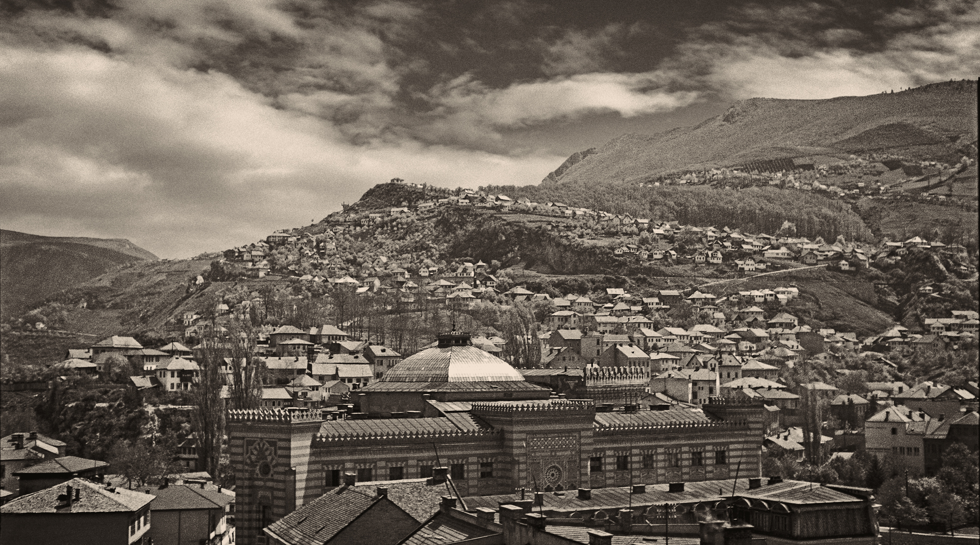 Panorama featuring the Vijećnica and Hrvatin, © Mehmed A. Akšamija