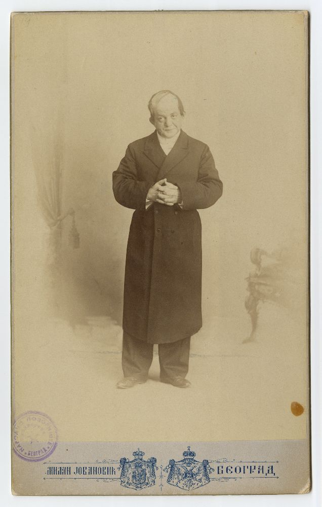 Studio portrait of Pera Dobrinović in character from the play 'Majka Todorka', © Museum of Theater Art of Serbia