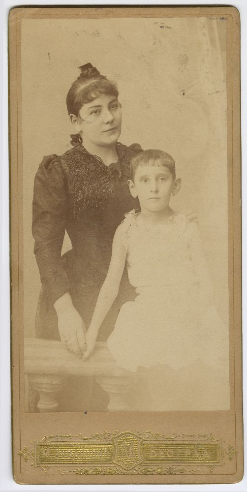 Studio portrait of actress Zorka Todosić with a child, © Museum of Theater Art of Serbia