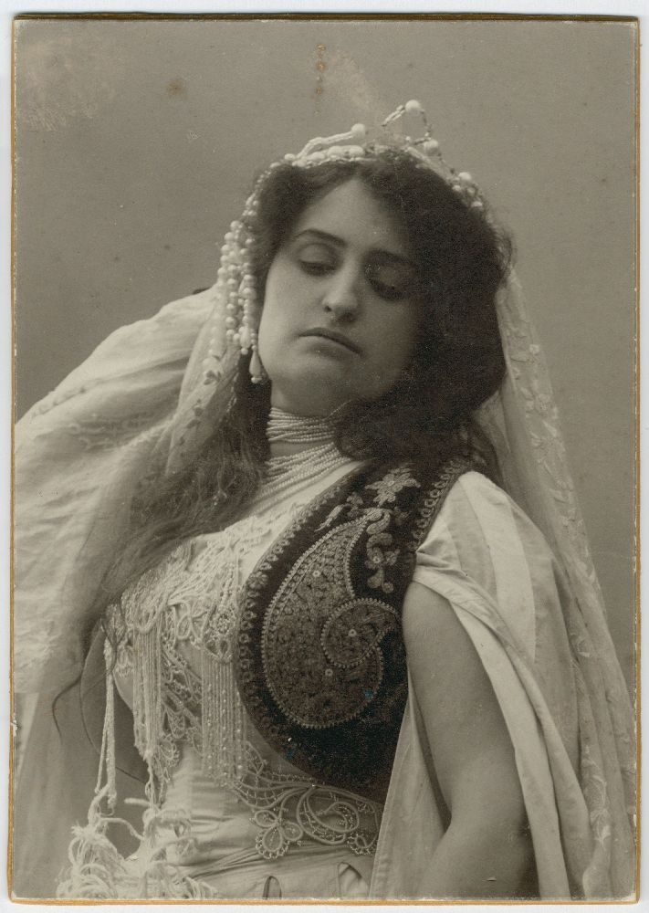 Studio portrait of actress Draga Spasić, © Museum of Theater Art of Serbia