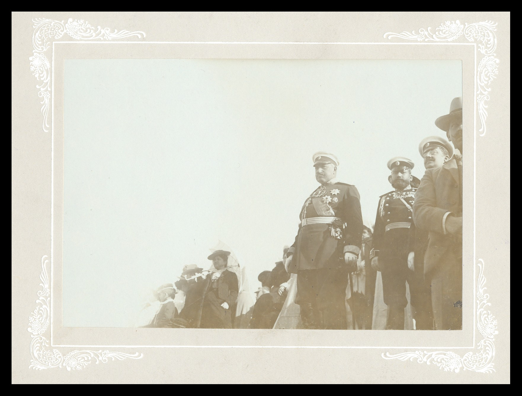 Earl Nikolay Ignatiev with officers and civilians, © National Museum of Military History Sofia