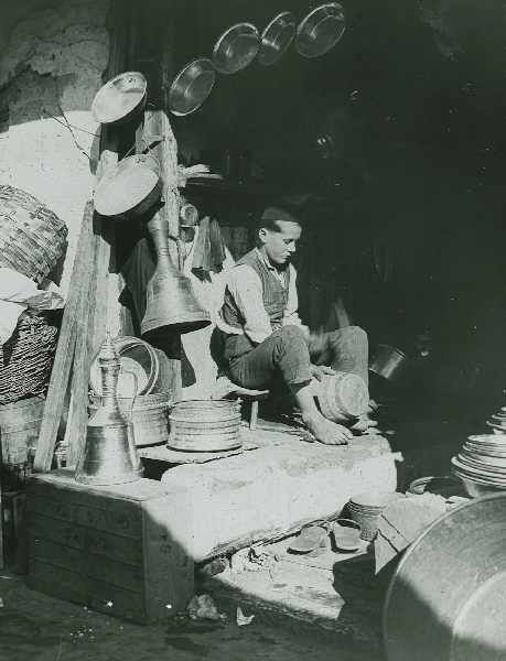 Coppersmith at work, © The Austrian Museum of Folk Life and Folk Art