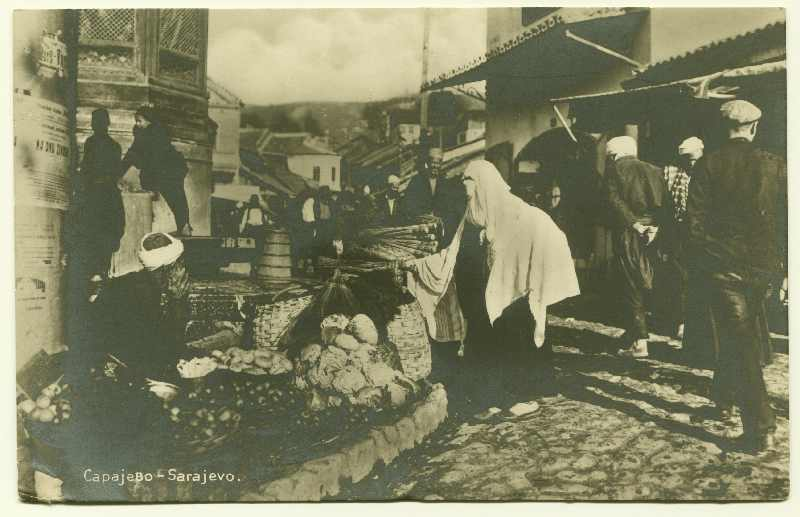 Street vendors at the Sebilj fountain, © Bosniac Institute - Adil Zulfikarpašić Foundation