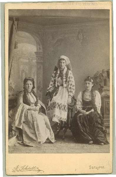 Studio portrait of three women, © The Austrian Museum of Folk Life and Folk Art