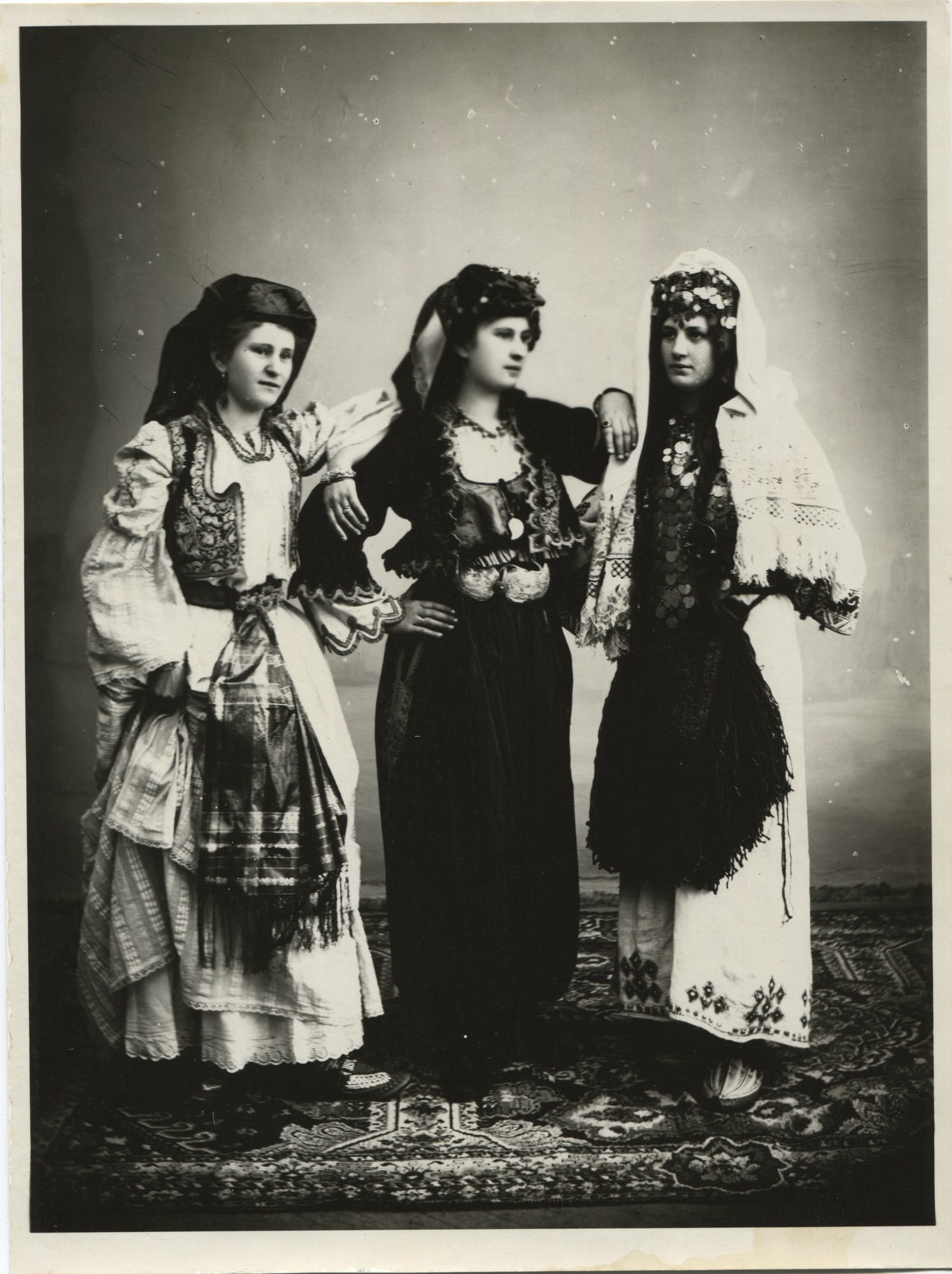Women's clothing, © The Historical Archive of Sarajevo