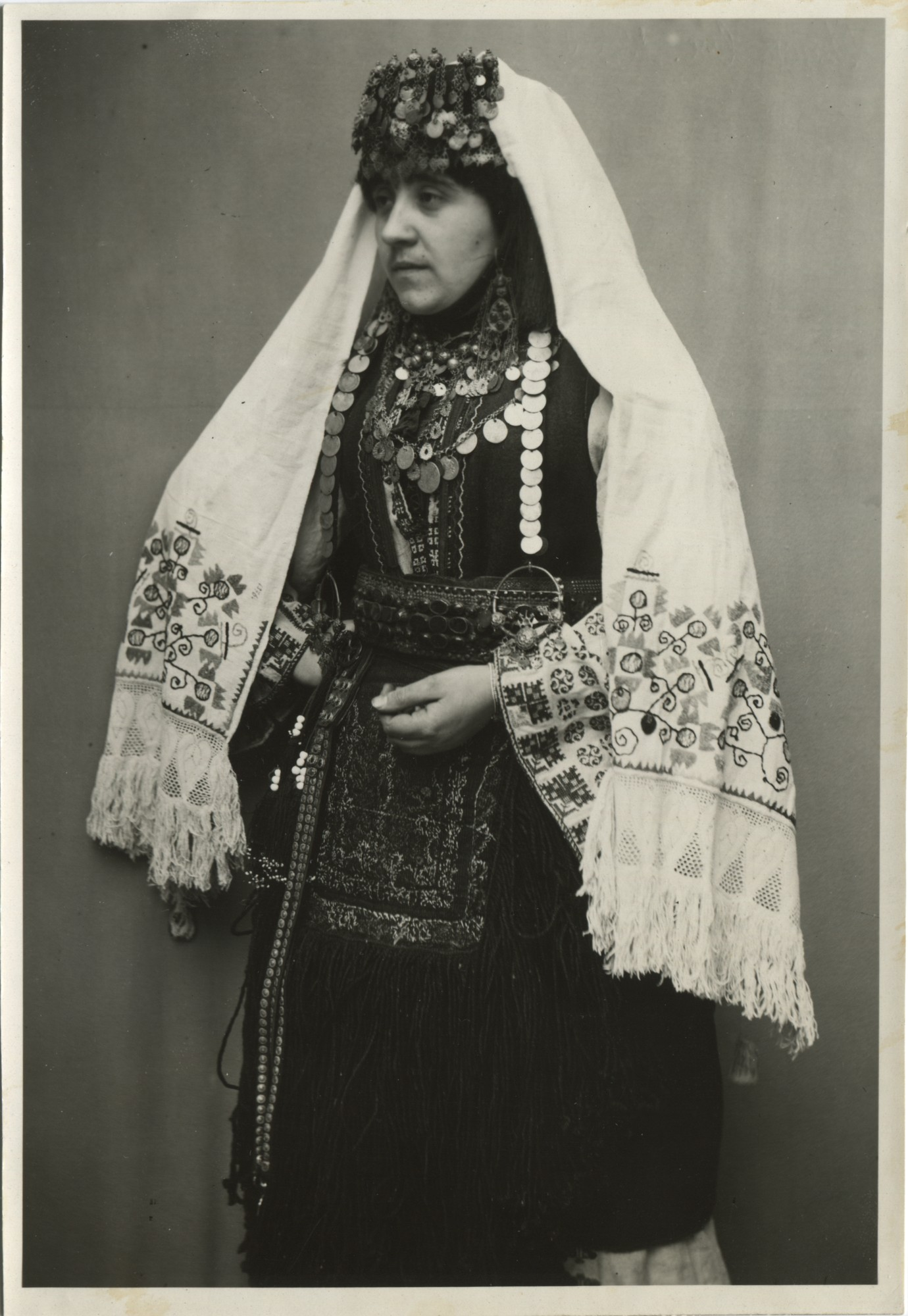 Traditional Bosnian Christian costume, © The Historical Archive of Sarajevo