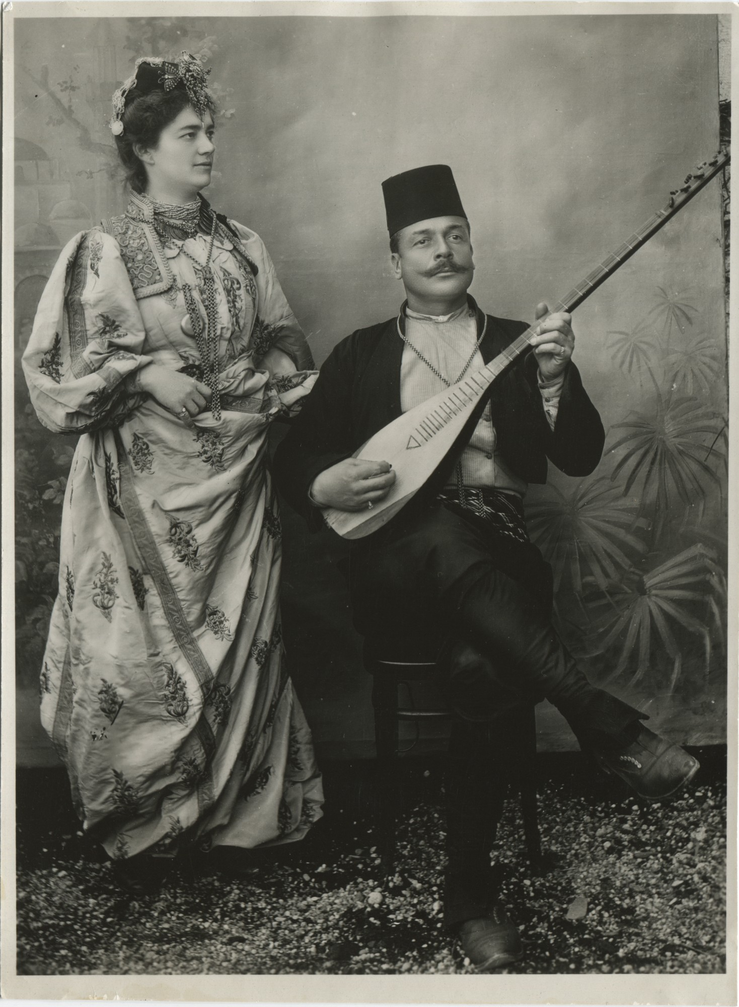 Džabija Muraqa Haraminčić posing next to a gusla player, © The Historical Archive of Sarajevo