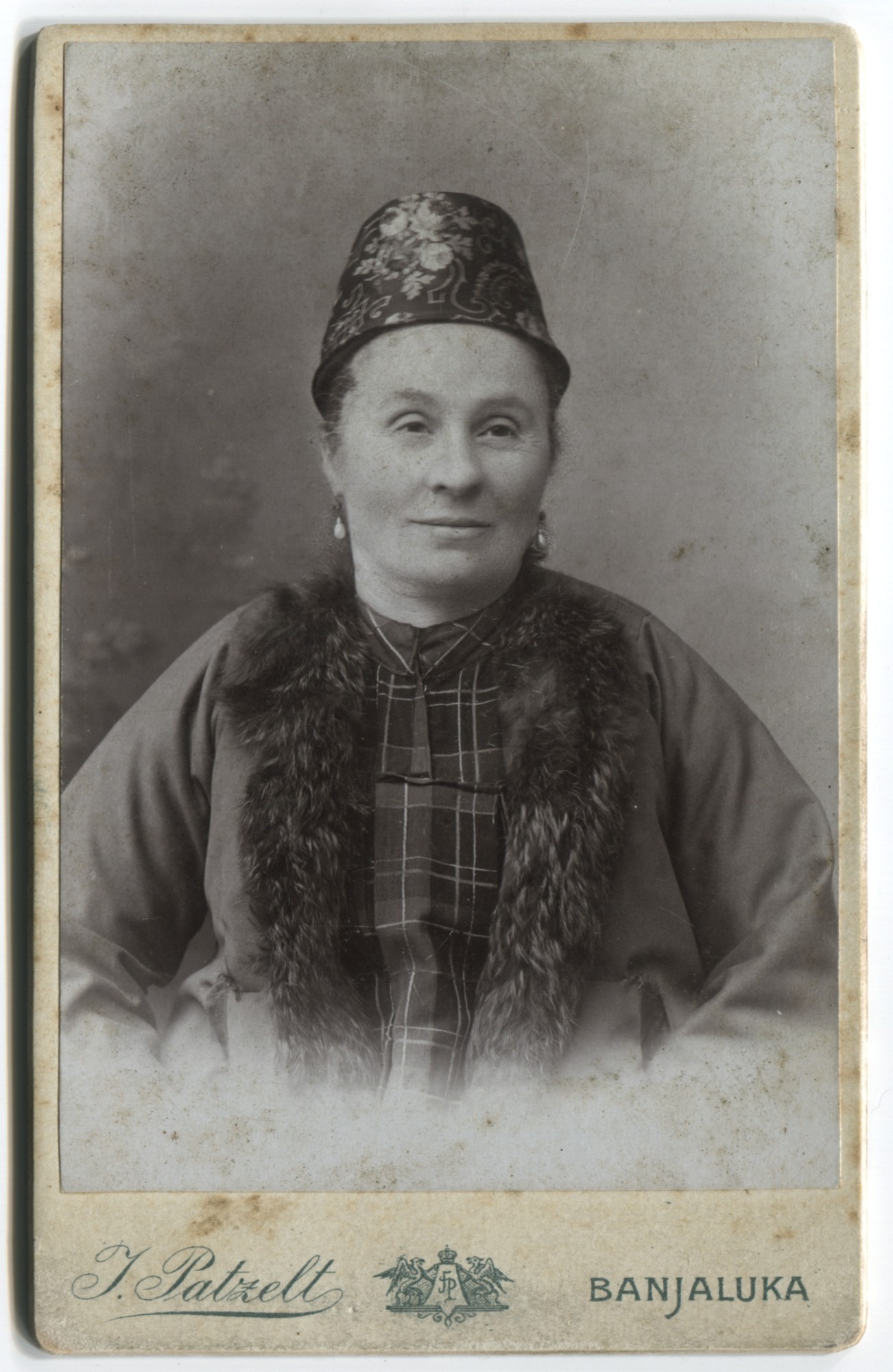 Studio portrait of a woman, © The Historical Archive of Sarajevo