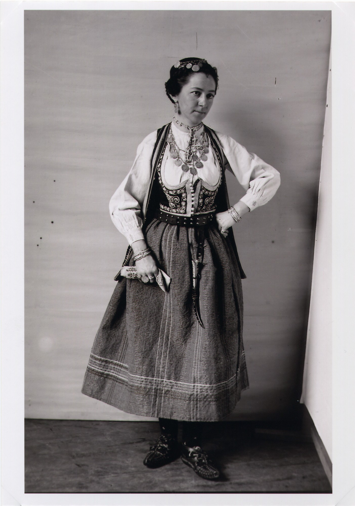 Woman's Herzegovinian dress, © The National Museum of Bosnia and Herzegovina
