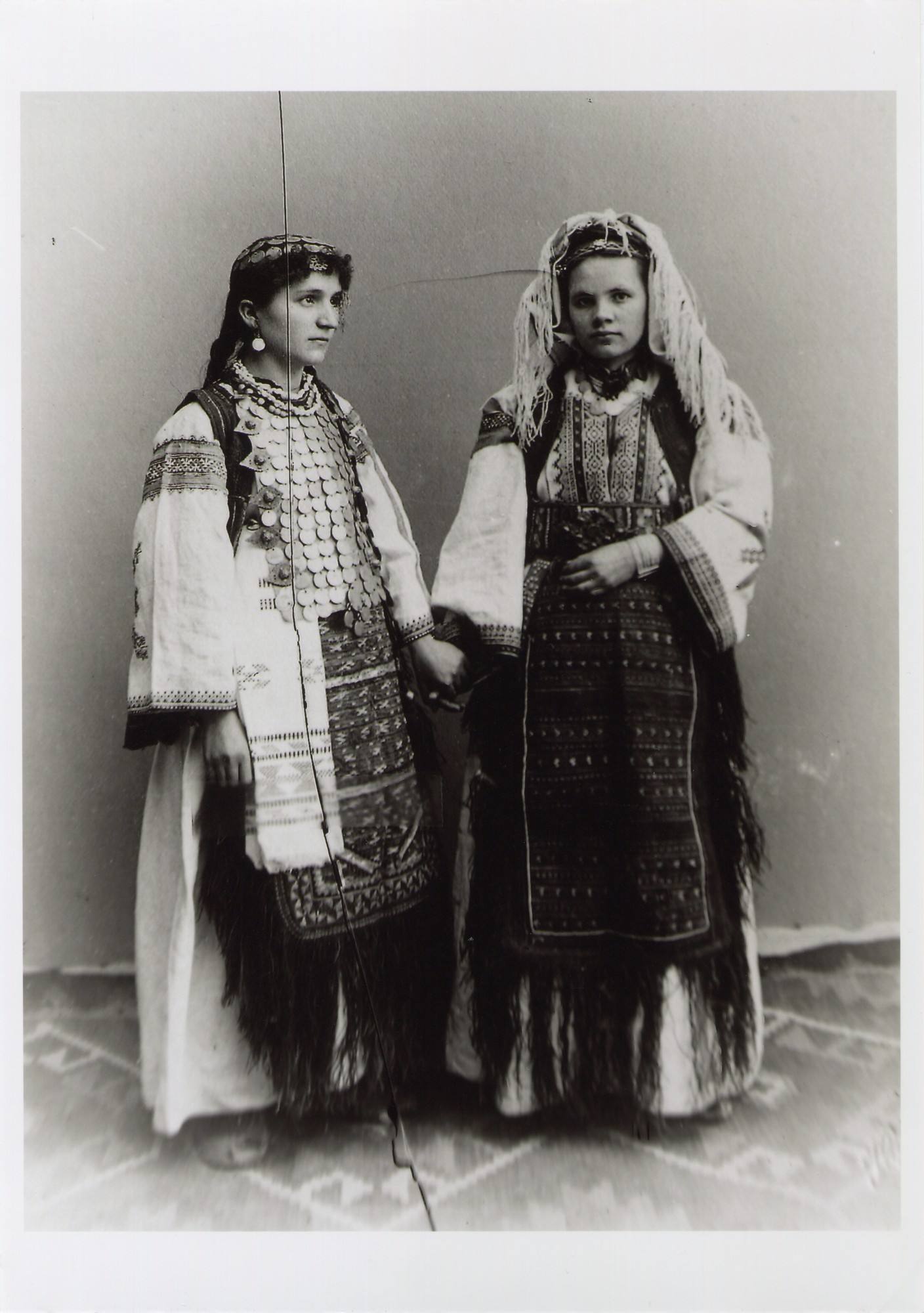 Traditional Bosnian Christian costumes from Northwestern Bosnia, © The National Museum of Bosnia and Herzegovina
