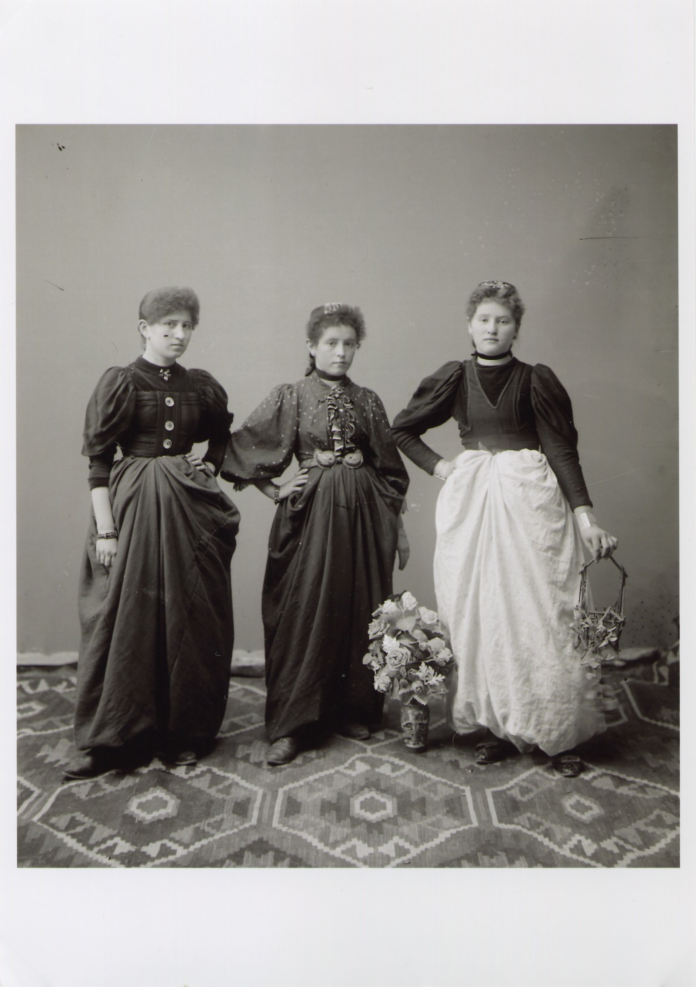 Portrait of three young townswomen, © The National Museum of Bosnia and Herzegovina