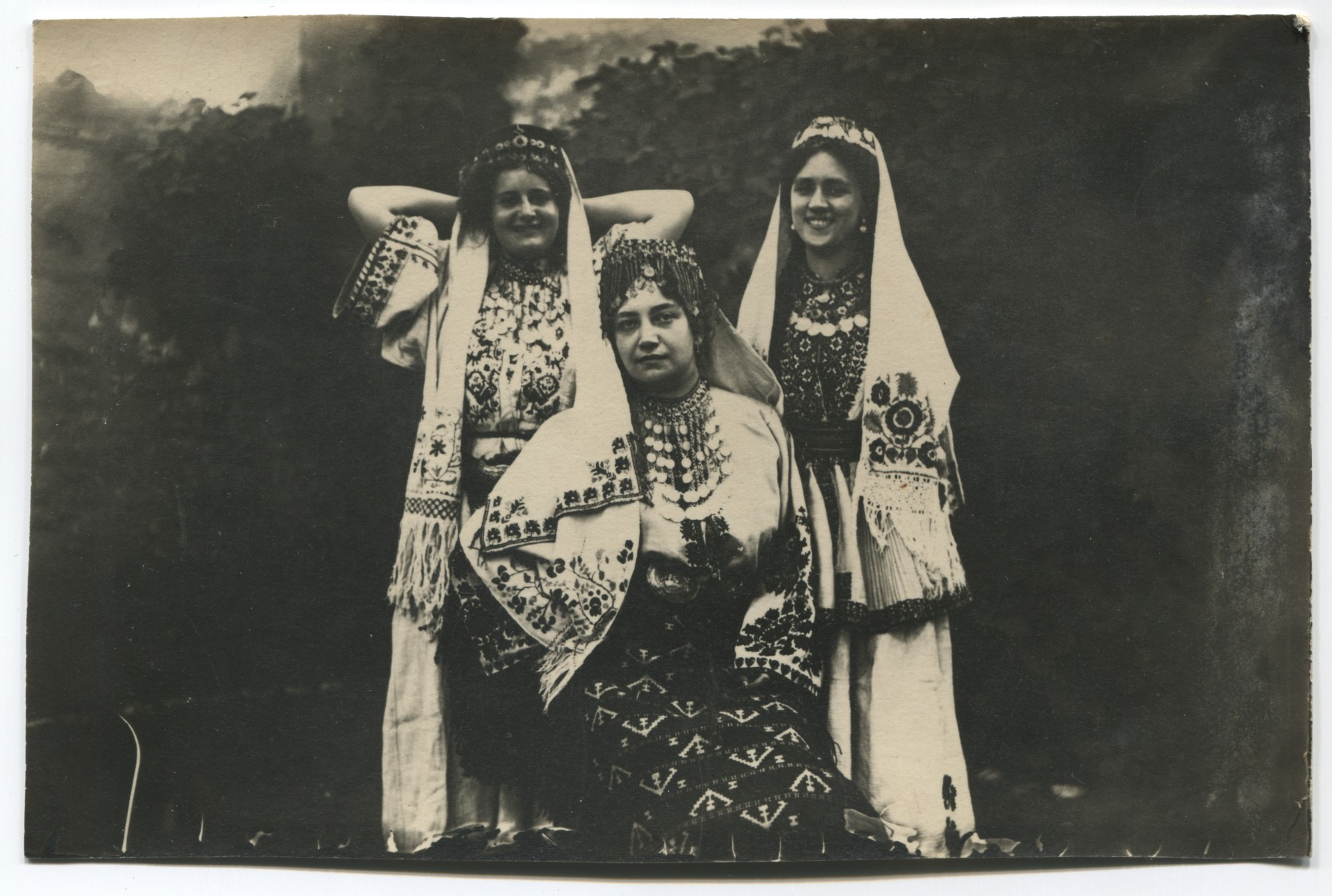 Folk costumes from Western Bosnia, © Museum of City of Sarajevo