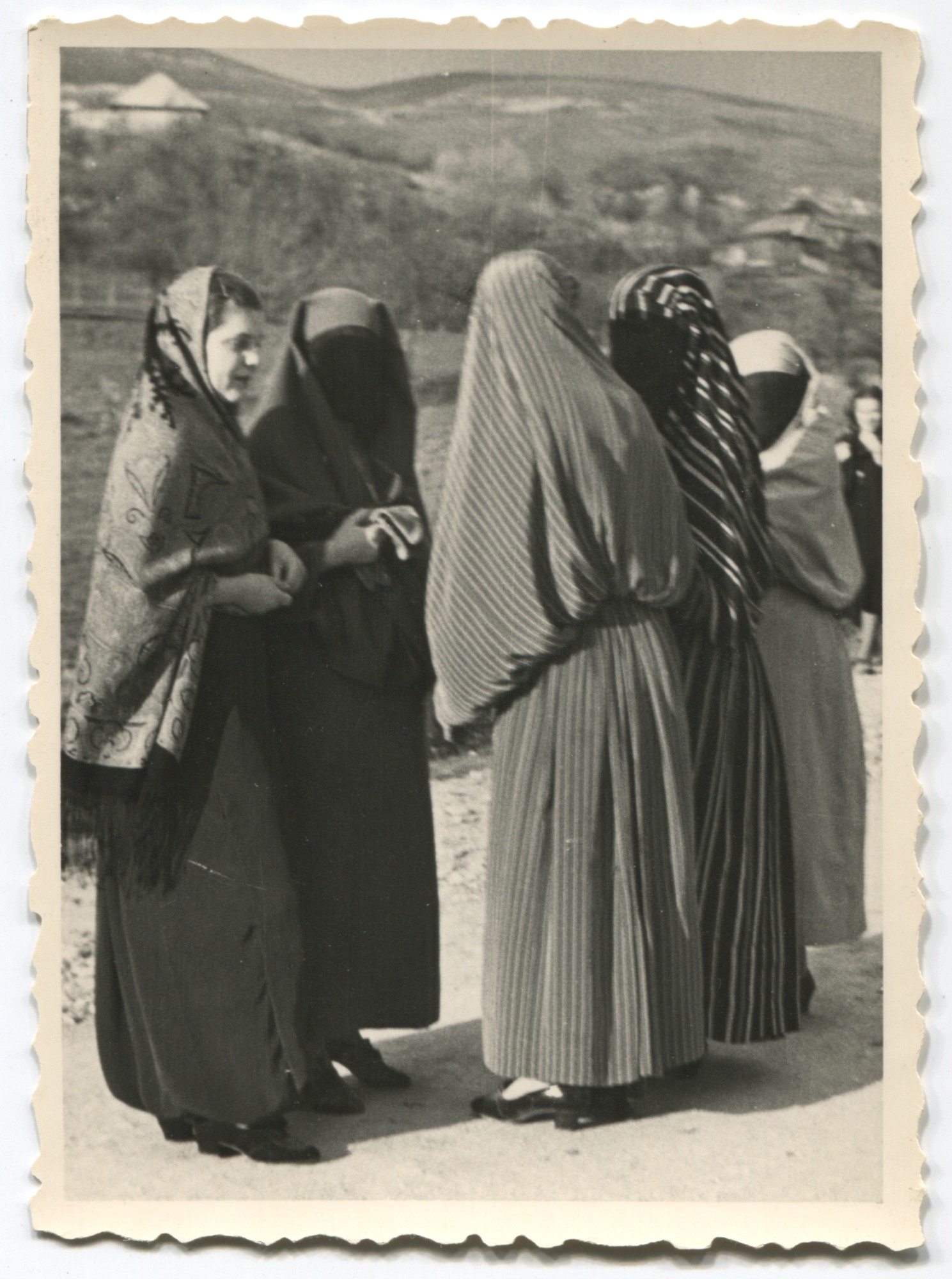 Women in a street in the outskirts of Sarajevo, © Museum of City of Sarajevo