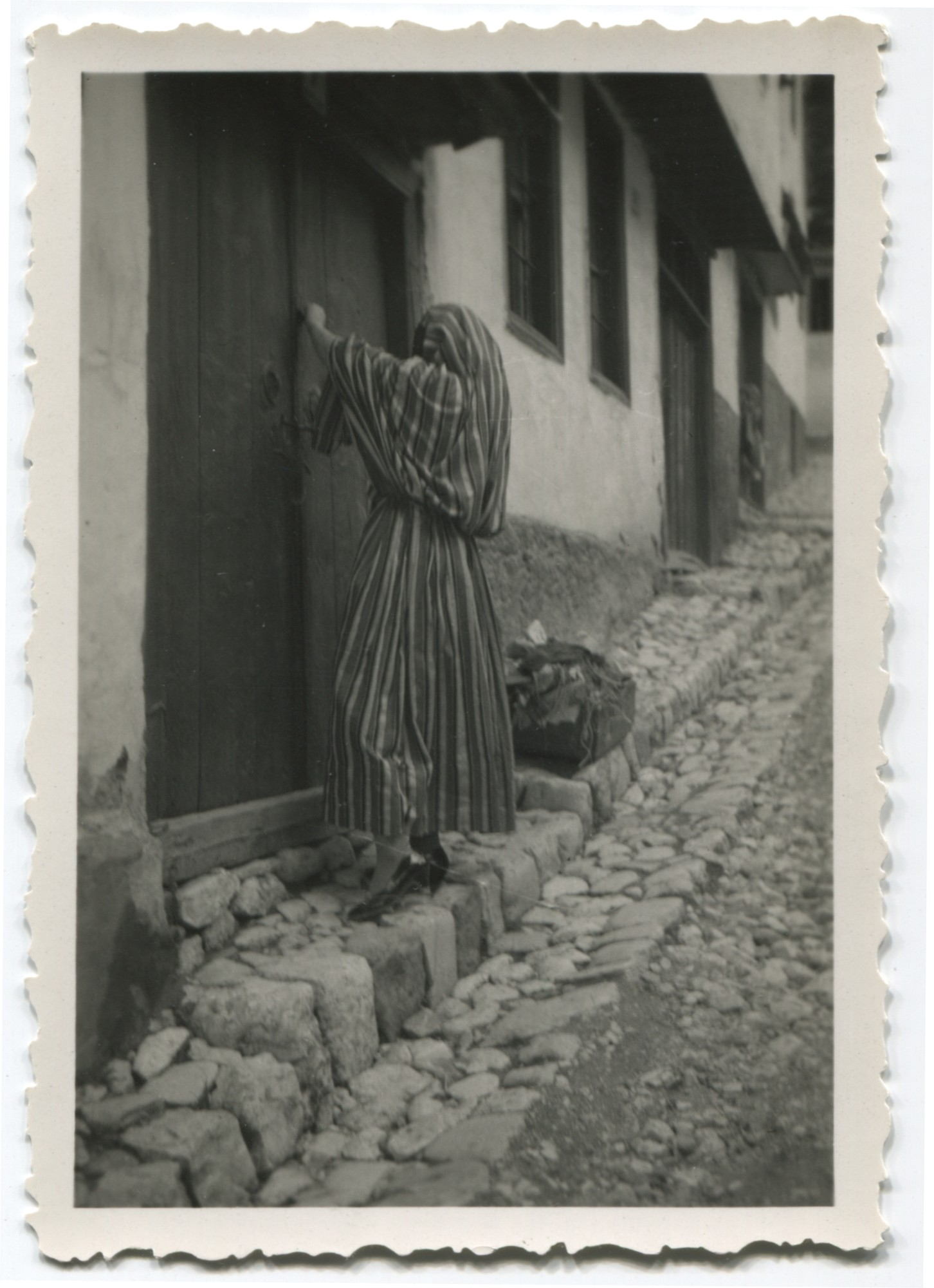 Woman in the street, © Museum of City of Sarajevo