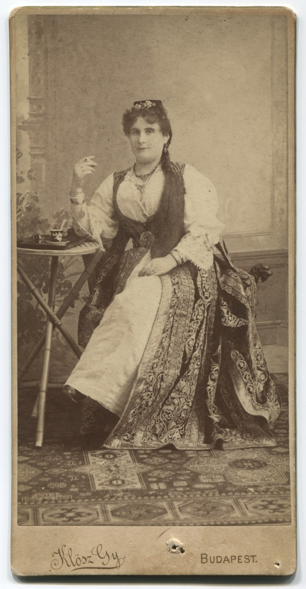 Studio portrait of Milka Hun, © Museum of City of Sarajevo