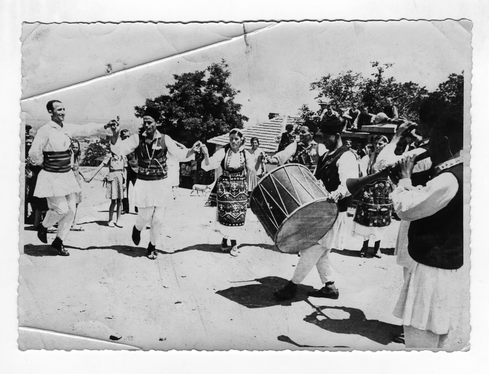 "Traditional ring dance called ""Horo"", © Institute for Ethnology and Folklore Studies with Ethnographic Museum - AEIM, BAS"