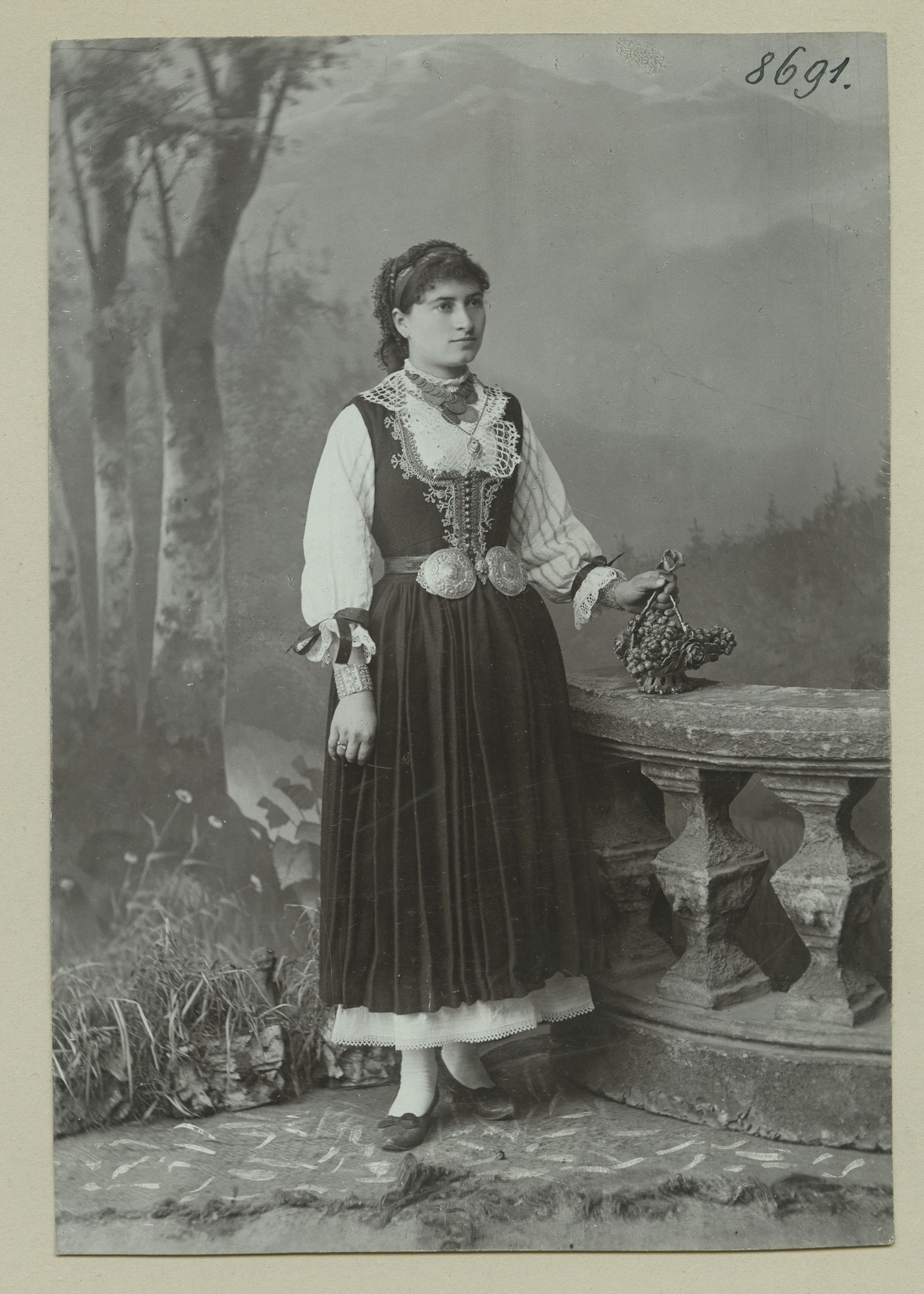 Studio portrait of a woman in folk attire, © The Austrian Museum of Folk Life and Folk Art