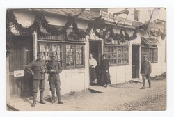 [Untitled] Strret front with two shops within the provisional hospital Kuttenberg