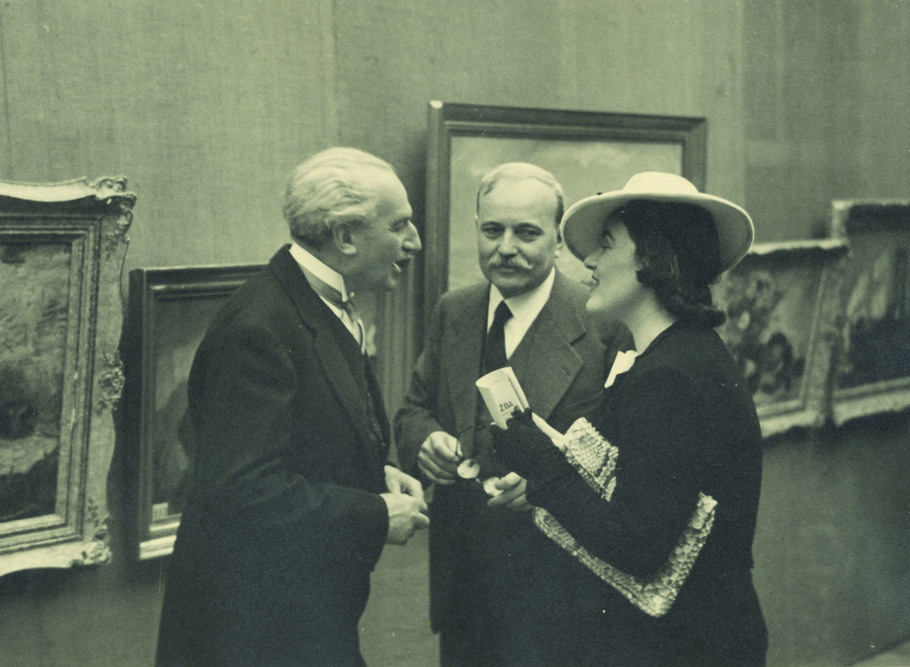 Scene from an art exhibition, © The Museum of Applied Art