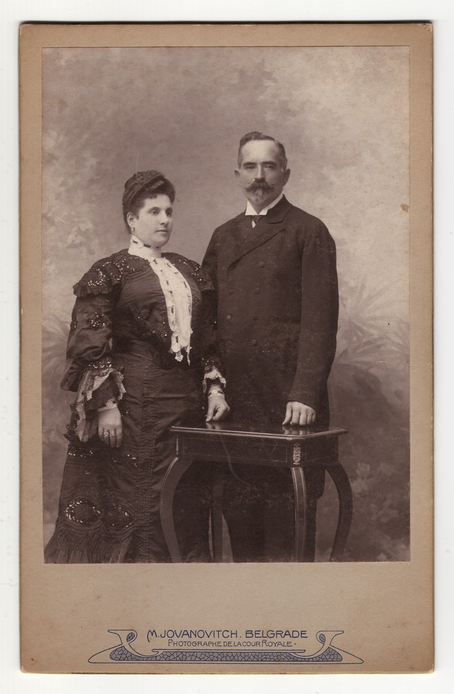 Studio portrait of a couple in town attire, © Museum of Applied Art