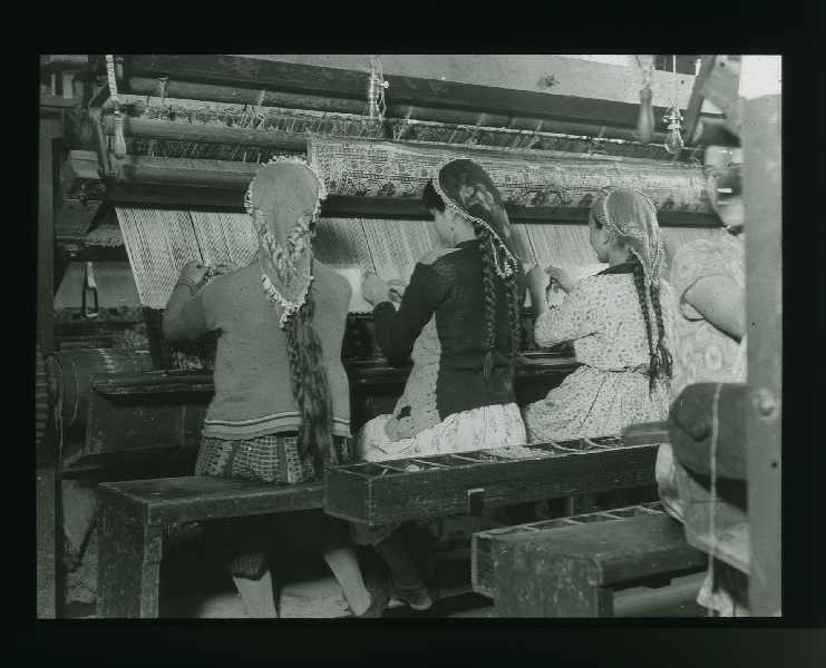 At the weaving loom, © The Austrian Museum of Folk Life and Folk Art