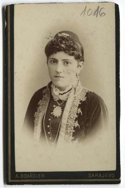 Studio portrait of Mara Odavić, © The Historical Archive of Sarajevo