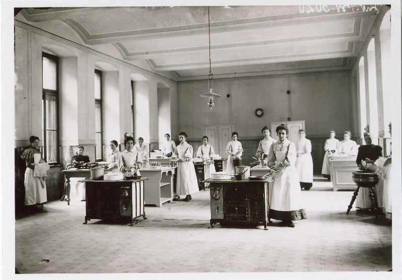 Inside the Girls' High School (Više djevojačke škole), © The National Museum of Bosnia and Herzegovina