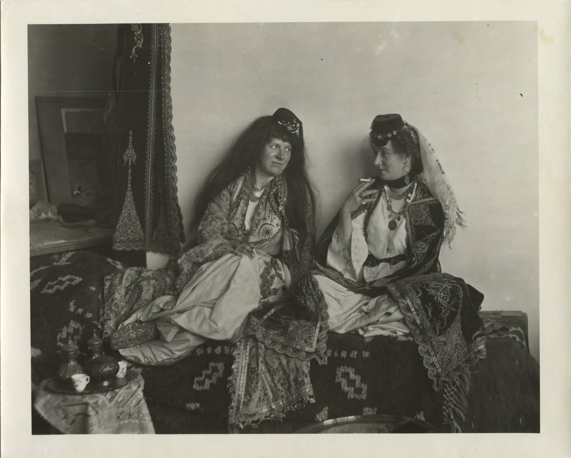 Portrait of two women in oriental-style urban clothes, © The Historical Archive of Sarajevo