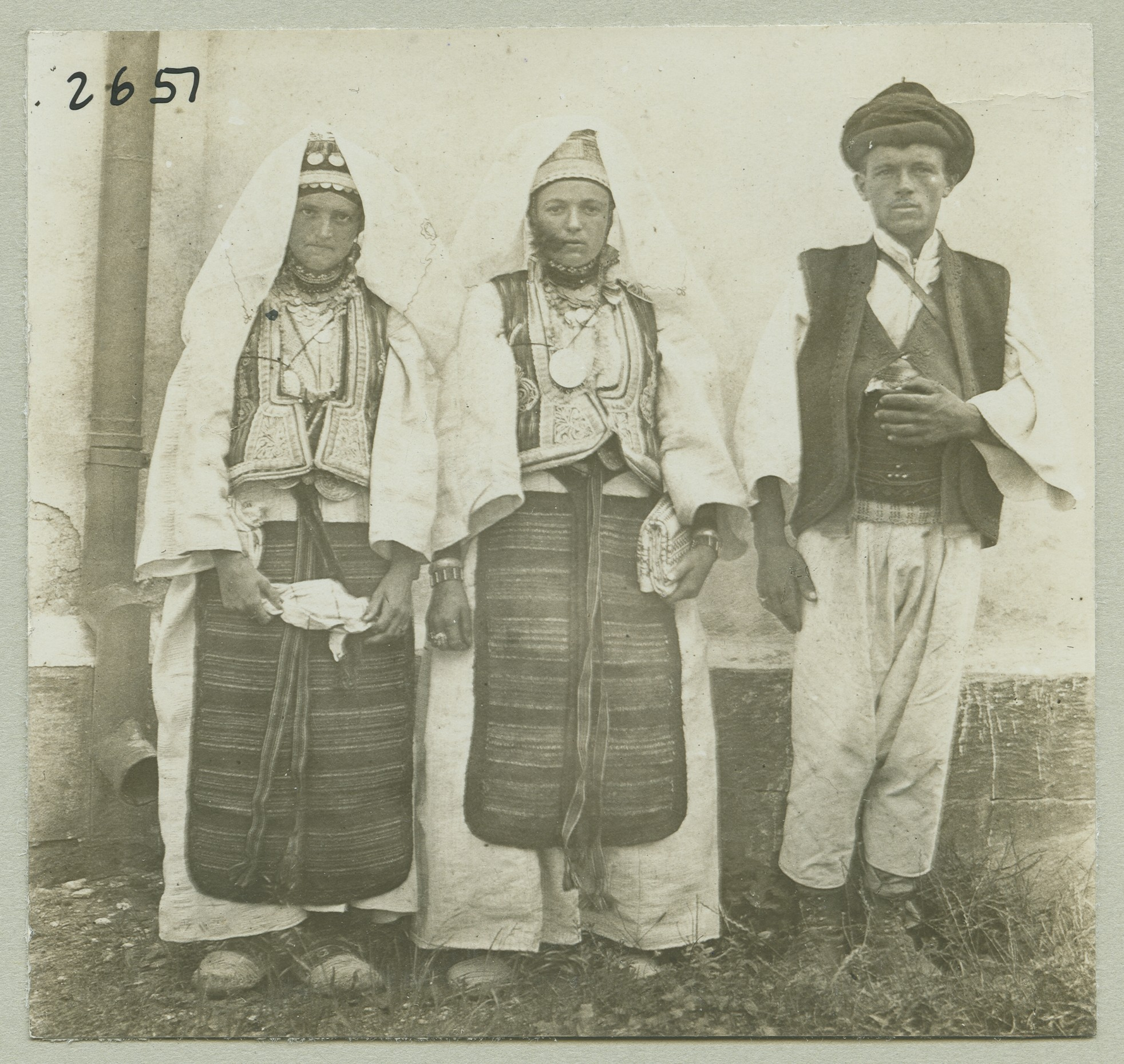 Traditional Croatian costumes from Jajce, © The Austrian Museum of Folk Life and Folk Art