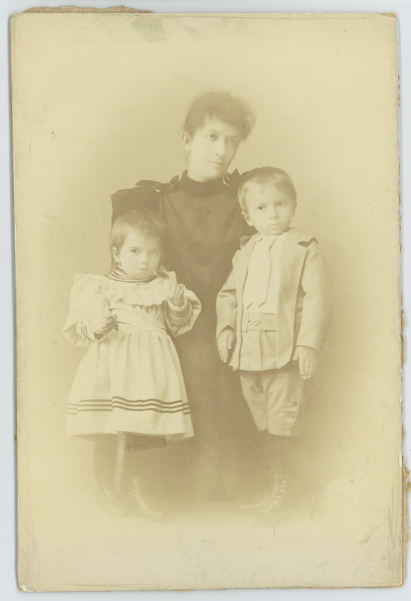 Studio portrait of Poliksenia Stambolova with two of her children, © Scientific Archive of the Bulgarian Academy of Sciences