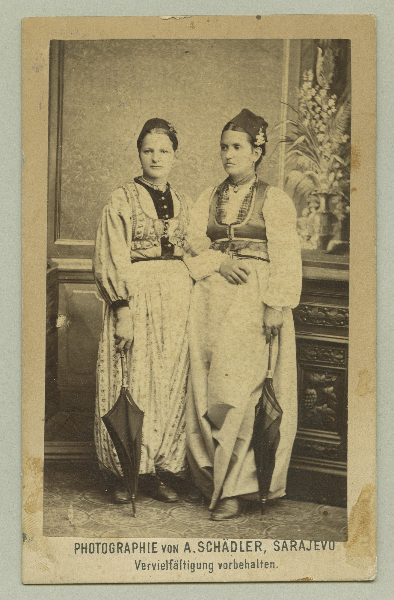 Studio portrait of two young women, © The Austrian Museum of Folk Life and Folk Art