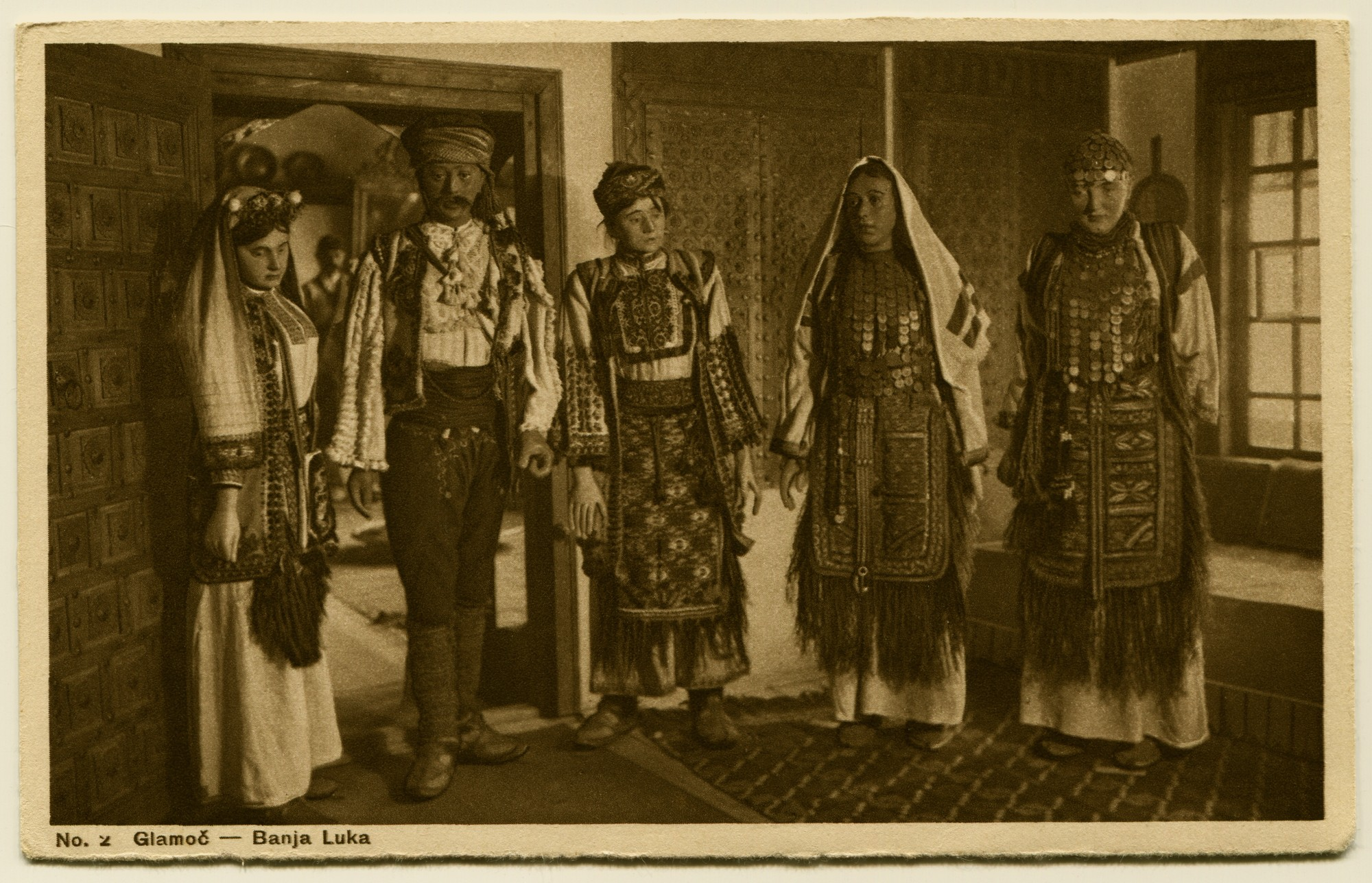 """V. Čurčić: National Costumes From The Ethnological Museum In Sarajevo"", © Bosniac Institute - Adil Zulfikarpašić Foundation"