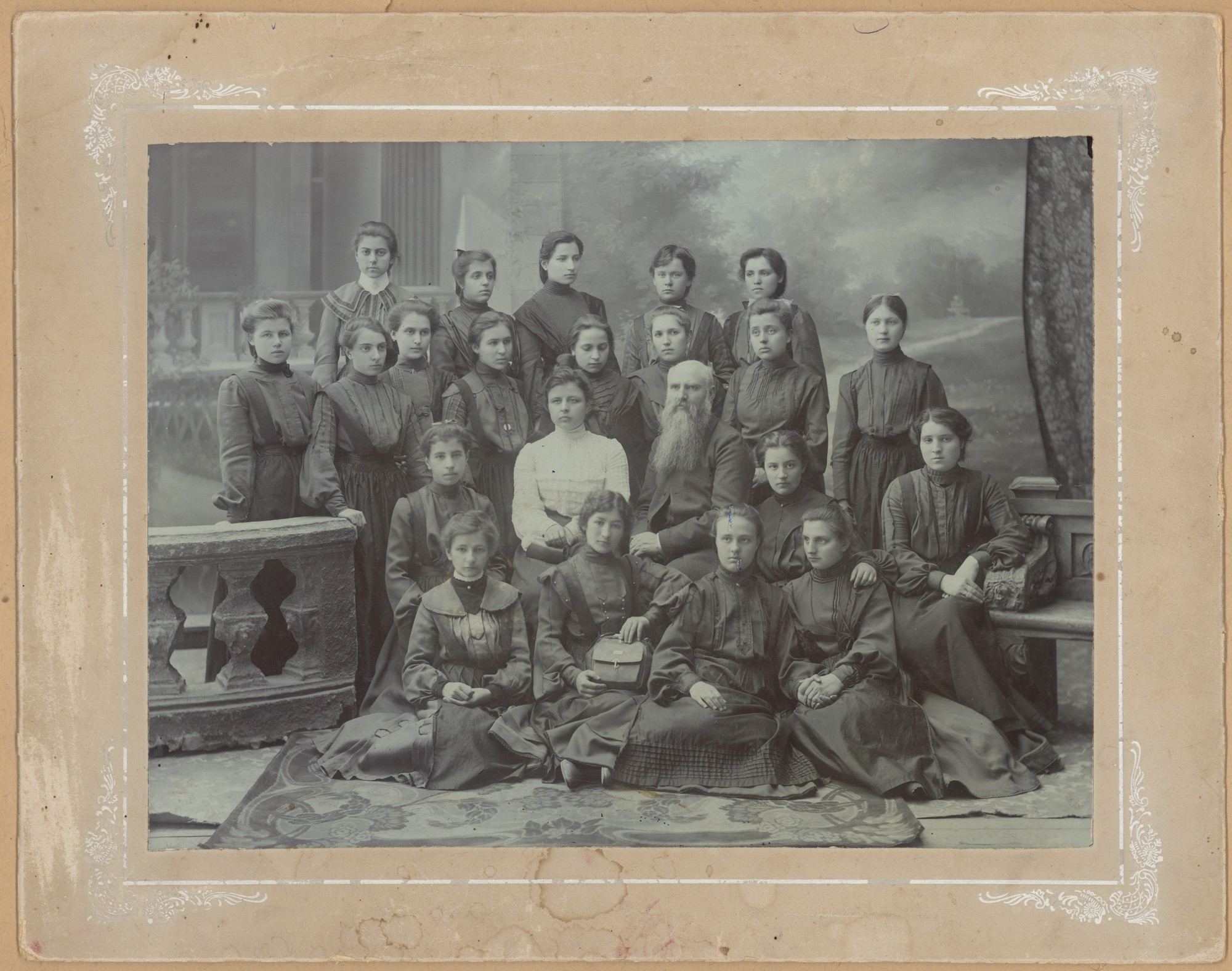 Pupils and teachers of Plovdiv Girls' High School, © State Archives - Plovdiv