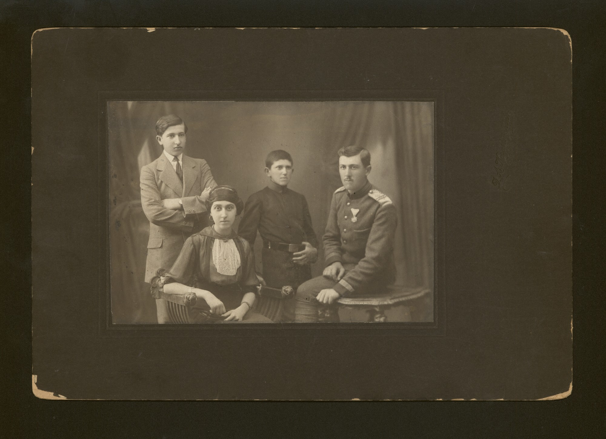 Studio portrait of Georgi Draganov and relatives, © Central State Archives