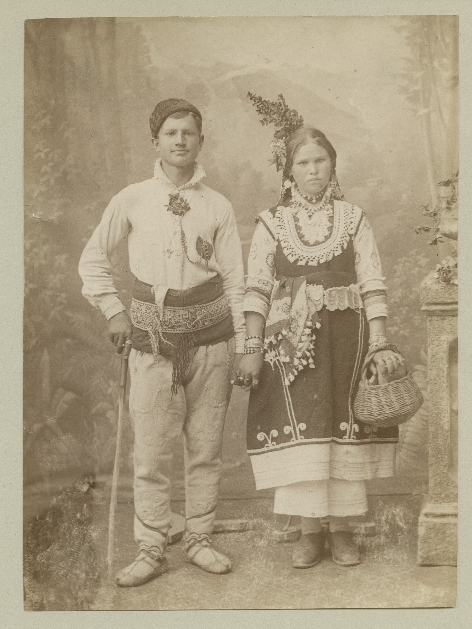 Studio portrait of a woman and a man in folk attire, © The Austrian Museum of Folk Life and Folk Art