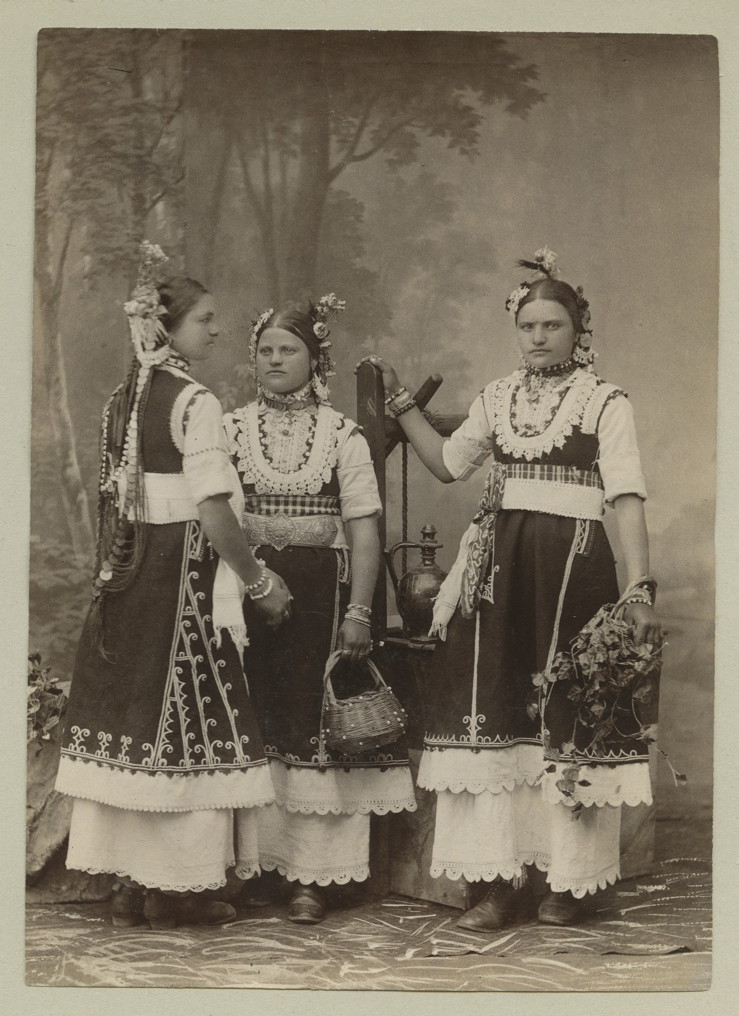 Studio portrait of three women in folk attire, © The Austrian Museum of Folk Life and Folk Art