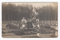 [Untitled] Priest preaching at an open-air altar at the war cemetery at Kuttenberg